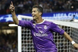 Real Madrid'i bırakan Ronaldo kapış kapış.23121