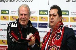 Mustafa Denizli, Eskişehirspor ile imzayı attı.24530