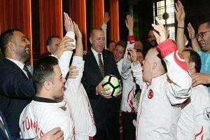 Erdoğan, özel sporcuları kabul etti!.26118