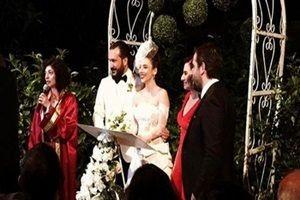Elif Sönmez ile Burak Gürmeriç evlendi.23425