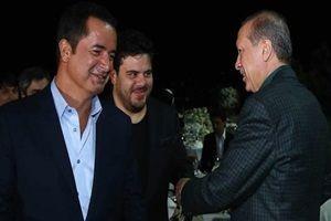 Erdoğan iftar yemeğinde ünlülerle buluştu.12857