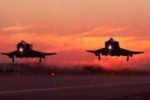 Suriye'nin savaş uçağı düşürüldü.11044
