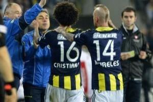 Fenerbah�e Galatasaray ma�� ilk yar� �zeti - FB Fener ma�� �zeti.22878