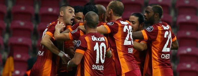 Galatasaray, Arsenal'e farkl� yenildi: 4 - 1