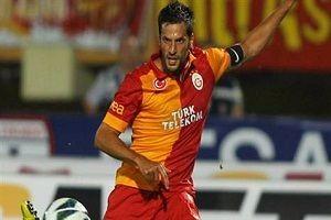 Galatasaraylı Hakan Balta futbolu bırakıyor.17860