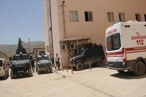 Hakkari'de patlama: 17 asker yaralı.16836