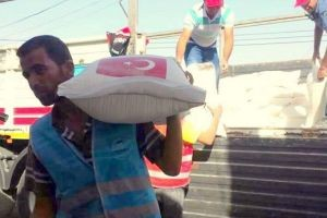 Halep'te 10 bin aileye un yardımı yapıldı!.18205