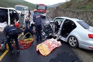 Erzurum'da feci kaza: 5 ölü, 10 yaralı.28940