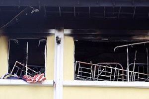 Okulda yangın: 24 kişi yanarak can verdi!.15672
