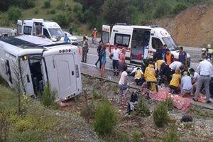 Turist midibüsü devrildi: Yaralılar var!.26789