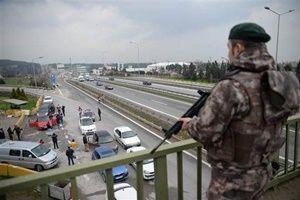 İstanbul'da giriş-çıkışlar tutuldu.20725