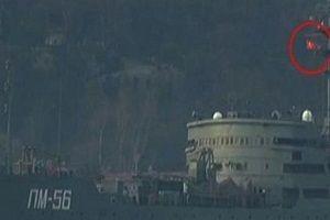 Flaş! Rus savaş gemisi Türk bayrağı açtı!