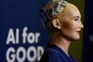 Dünyanın konuştuğu robot Türkiye'ye geliyor.13682