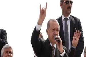 Erdoğan'dan bozkurt selamı!.13333
