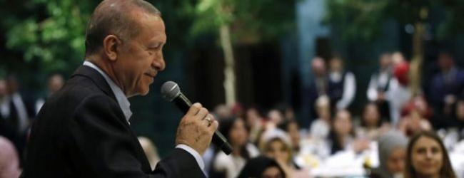 Erdoğan: Dolarlar TL'ye çevrilsin