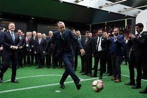 Erdoğan şutu çekti