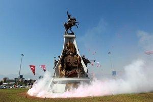 Türel'den Atatürk heykeli sözü!.12735