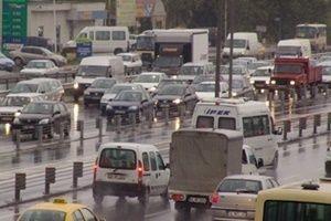Yağmur nedeniyle İstanbul trafiği felç oldu.22615