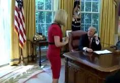 Trump'tan gazeteci kadına iltifatlar
