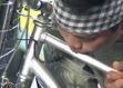 Bisikleti fl�t gibi kullan�yor - Video