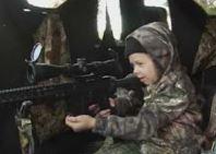 Kızına geyik vurdurtan baba!