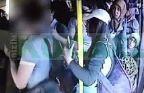 Kad�nlar tacizciyi lin� ettiler - Video