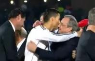 Ronaldo, Platini'nin elini s�kmad�